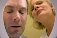 Garret Dillahunt and Martha Plimpton manage the craziness of 'Raising Hope'