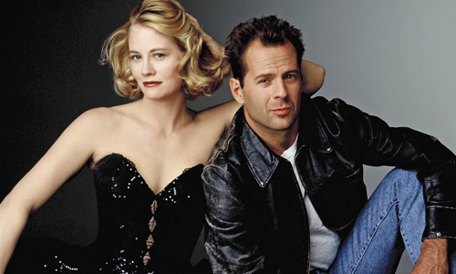 Cybil Shepard and Bruce Willis co-star in 'Moonlighting'