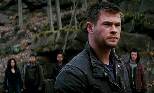 Chris Hemsworth leads the Wolverines in 'Red Dawn'
