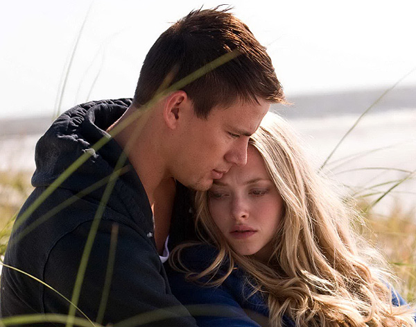 Channing Tatum and Amanda Seyfriend in 'Dear John'