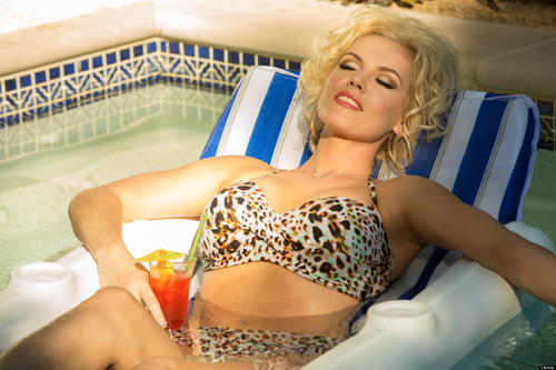 Agnes Bruckner is Anna Nicole Smith in the Lifetime channel movie