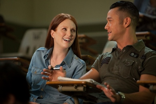 Julianne Moore and Joseph Gordon-Levitt are classmates in 'Don Jon'