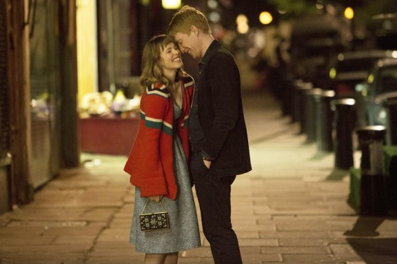 Rachel McAdams and Dohmnall Gleeson in 'About Time'