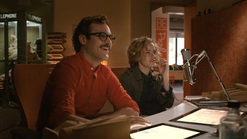 Joaquin Phoenix and Amy Adams in 'Her'