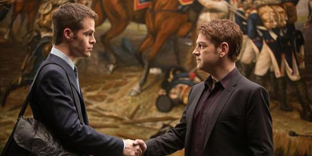 Chris Pine and Kenneth Branagh in 'Jack Ryan: Shadow Recruit'