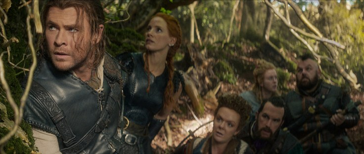 "(L to R) Eric the Huntsman (CHRIS HEMSWORTH), Sara (JESSICA CHASTAIN), Mrs. Bromwyn (SHERIDAN SMITH), Gryff (ROB BRYDON), Doreena (ALEXANDRA ROACH) and Nion (NICK FROST) in the story that came before Snow White: ""The Huntsman: Winter's War."" Hemsworth and Oscar® winner Charlize Theron return to their roles from ""Snow White and the Huntsman,"" joined by Emily Blunt and Chastain."