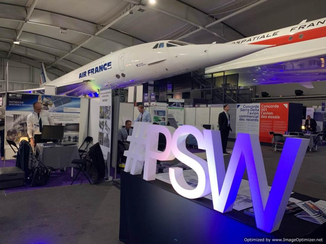 ingresso con scritta PSW