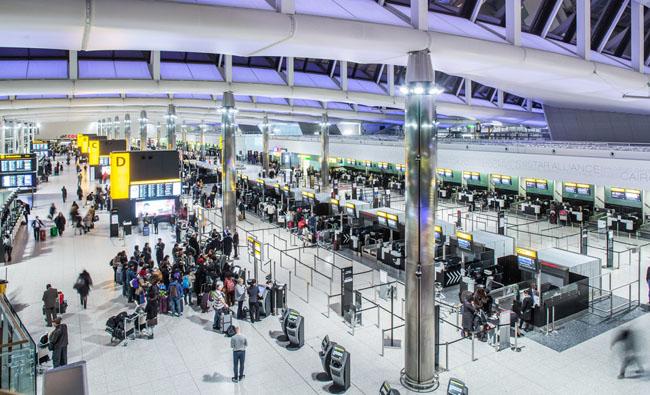 英國希斯羅機場暑假大罷工 千萬人受影響   美洲臺灣日報