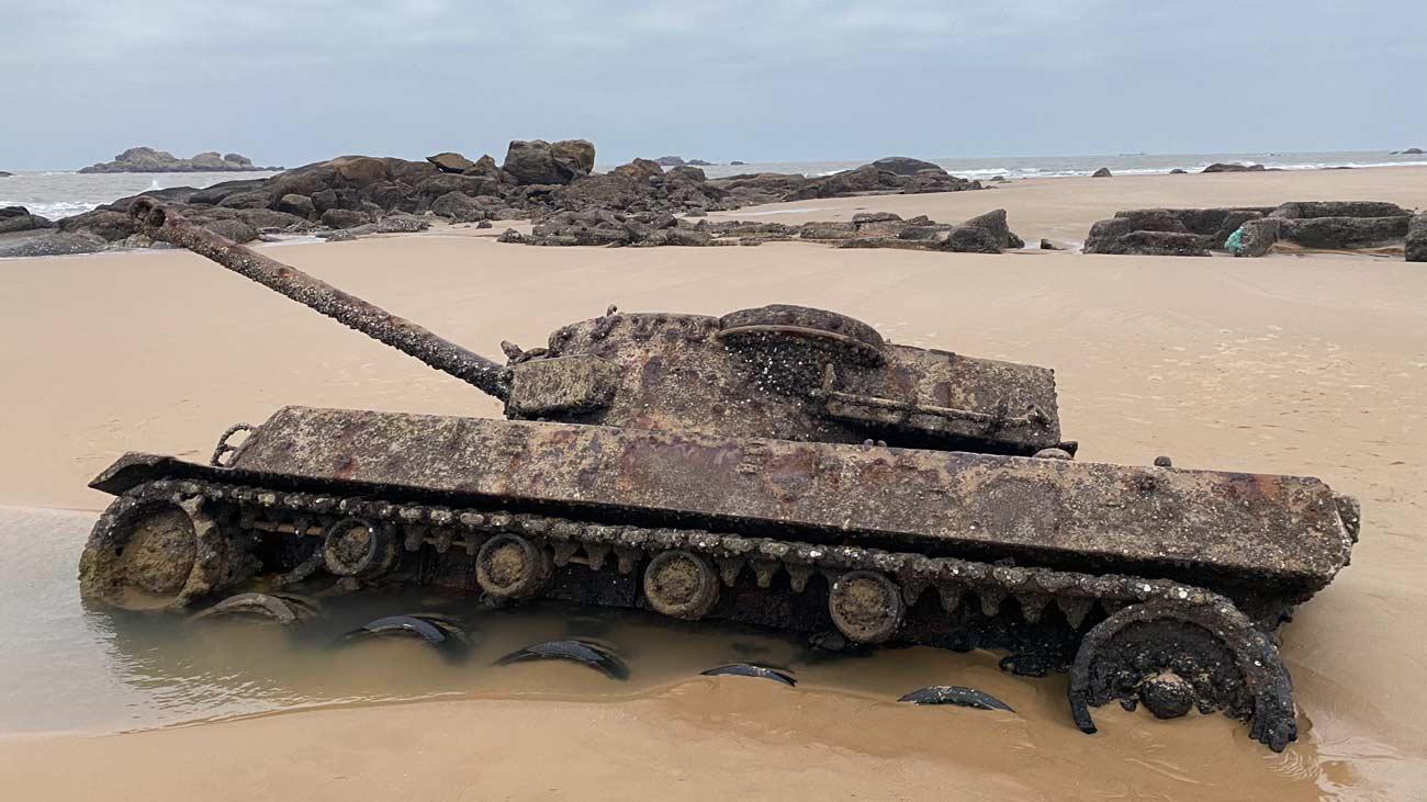 abandoned tank kinmen
