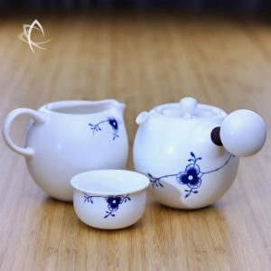 Tang Arabesque Kyusu Tea Set Featured View