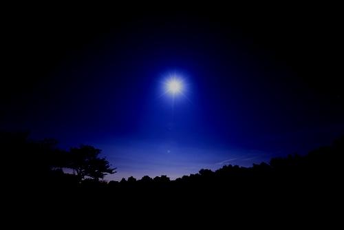 夜空の向こう側へ