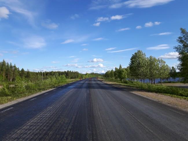 Verlaten weg in Zweeds Lapland - Europaväg 45 Jokkmokk