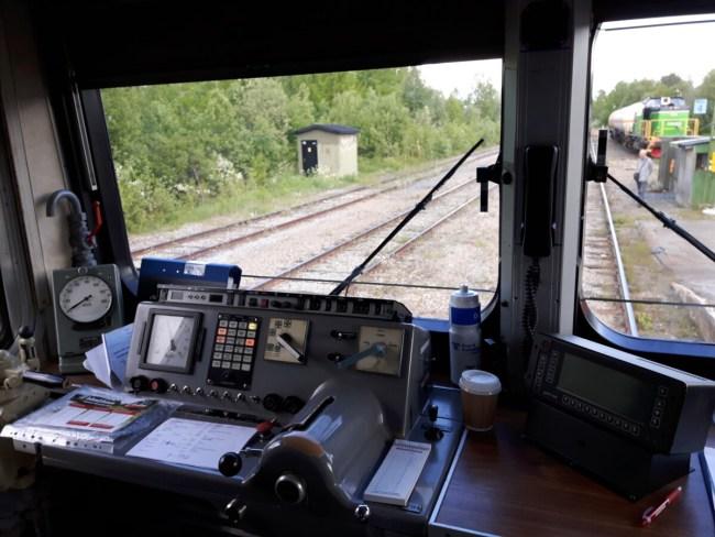 Aan boord van Inlandsbanan - bij de treindconducteur