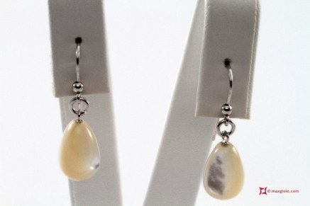 Extra Mother of Pearl Earrings 8x13mm in Gold 18K