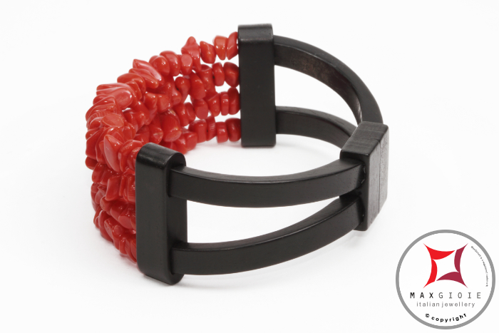 Red Coral and Ebony Bracelet chips 4 strands id1007