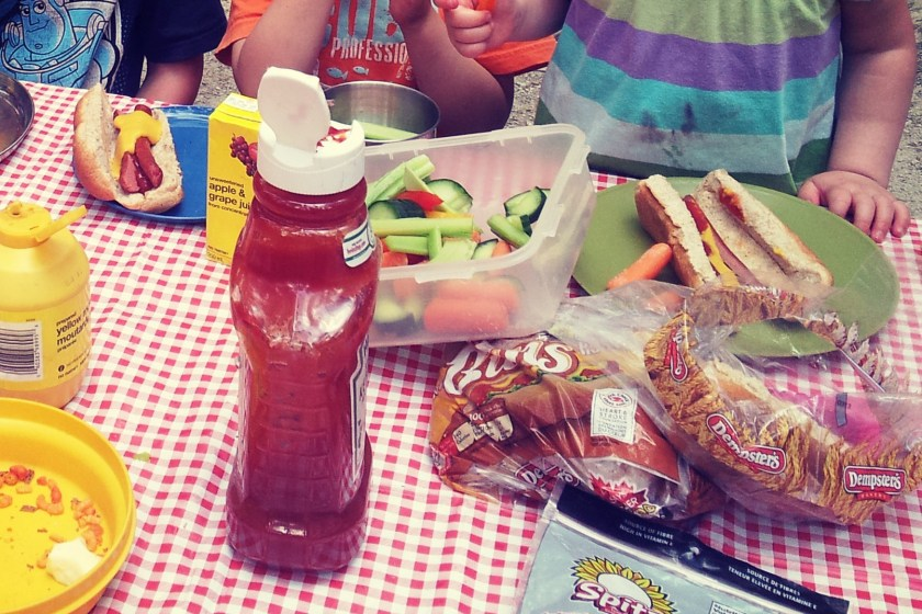 Planning an easy family picnic