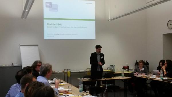 Stefan Keil auf dem IWWB-Herbstworkshoop 2015 zum Thema Mobile Suche