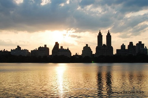 7 days in New York things to do in NYC central park reservoir takingtotheopenroad peggytee