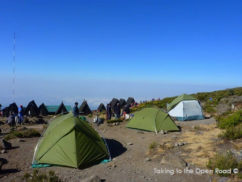 keeping-clean-on-kilimanjaro-horombo-camp-takingtotheopenroad-peggy-tee