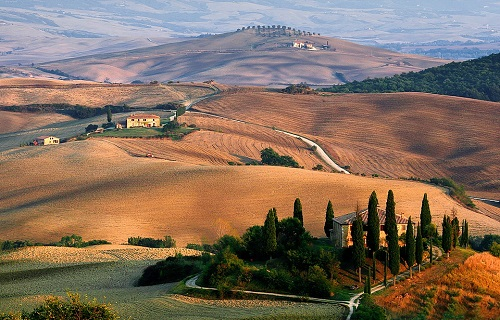 2-weeks-in-italy-tuscany-countryside-takingtotheopenroad-peggytee