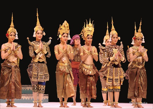 3 days in Siem Reap traditional dance plae pakaa cambodia takingtotheopenroad peggytee