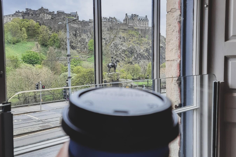 眺めが美しいカフェ 「Cafe Nero プリンシズ • ストリート店」