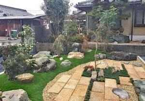 人工芝を使用した和の庭 草津市