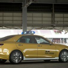 Gran-Turismo-Sport-Toyota-Crown-Athlete-G-Safety-Car-005