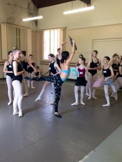 Tala Lee-Turton - coach - Masterclasses young russian ballet dancers