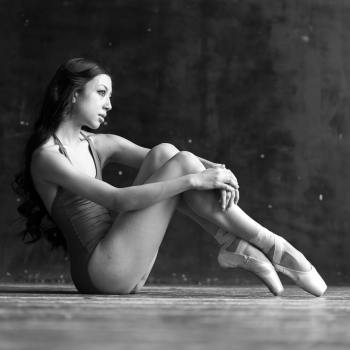 Tala Lee-Turton - ballerina model - pose