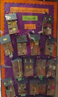 House Doorse: Haunted House Door Decoration