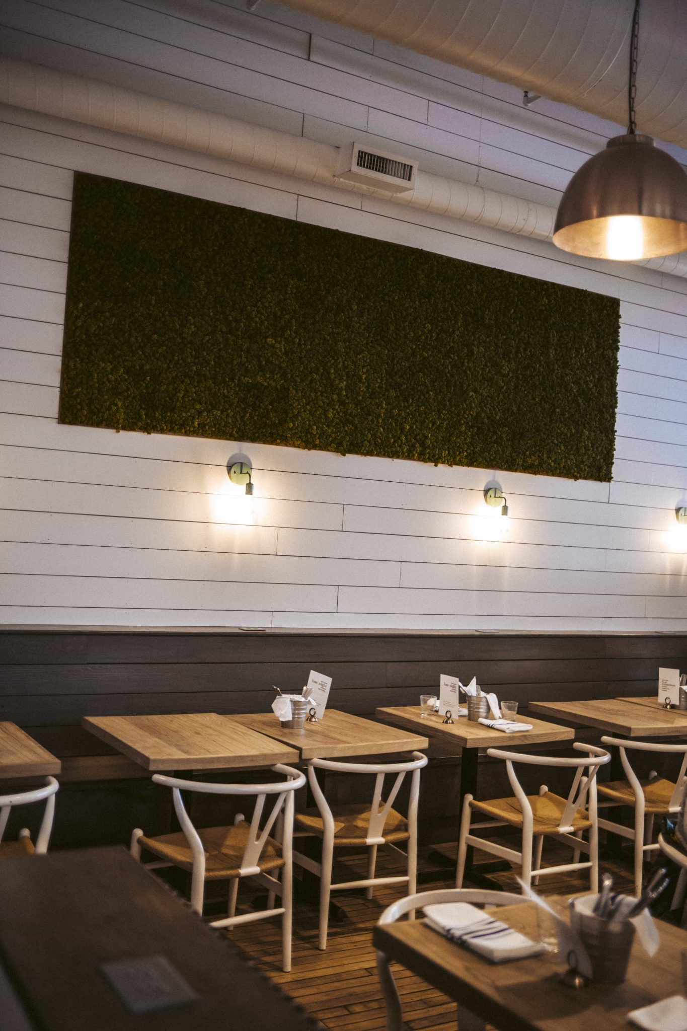 Good Restaurants in Indianapolis: The Garden Table by popular Indianapolis blogger Tales & Turbans