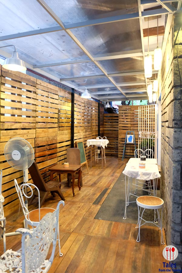 Nikkos Baking Studio Paseo de Roxas Makati Outdoor Seating