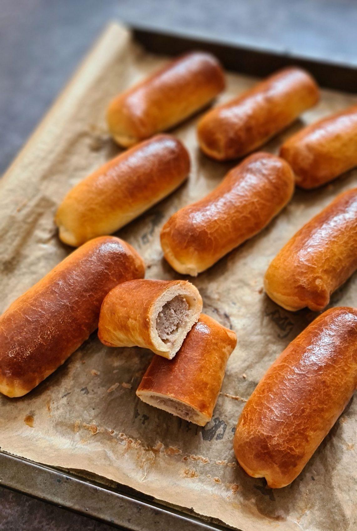 Worstenbroodjes Dutch Sauasage Rolls