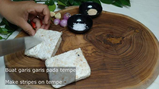 make stripes in the tempeh