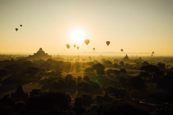 Myanmar hot air balloon rides