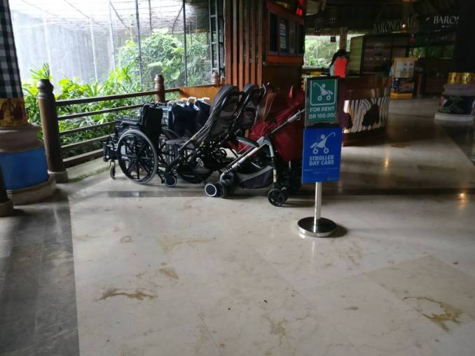 Bali Safari marine park strollers and wheelchairs for rent