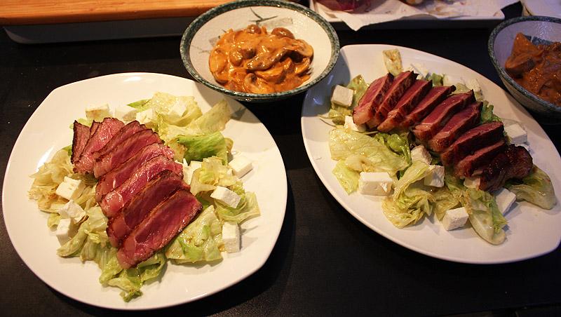 Salat mit Feta und Rinderstreifen 1