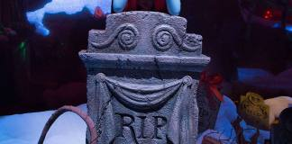 Sally Disneyland Haunted Mansion Holiday