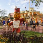 fall halloween decorations at disney world