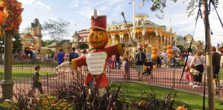 fall halloween decorations at disney world