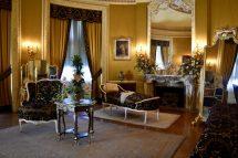 Five Learned Visit Biltmore Estate