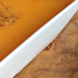 Pompoensoep met seroendeng – Kiddielunch #10