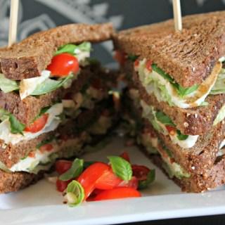 Caprese clubsandwich (zonder vlees)