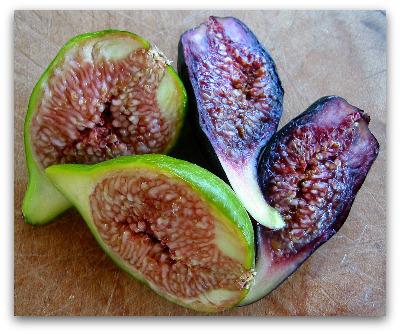 fresh figs sliced in half