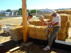 Cuanto cuesta una casa de paja taller karuna casa de paja - Cuanto vale hacer una casa ...