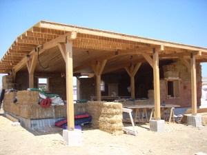 Sistema con estructura de madera postes y vigas taller - Vigas de madera baratas ...