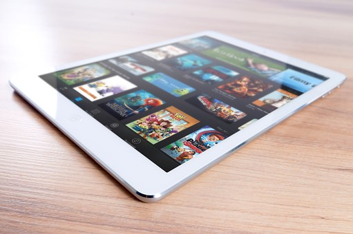 tablet-playing online games