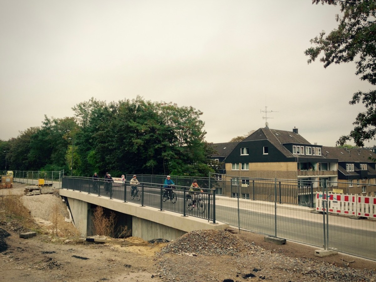 Brücke Wüstenhofer Straße befahrbar