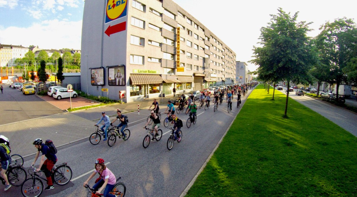 Pop-Up-Bikelane auf der B7